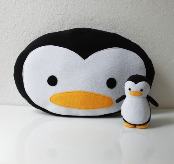 & Plush Penguin Party Theme // Hostess with the Mostess®