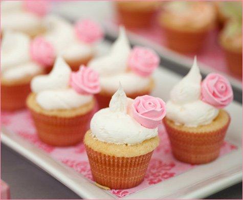 gorgeous pink dessert buffet ideas