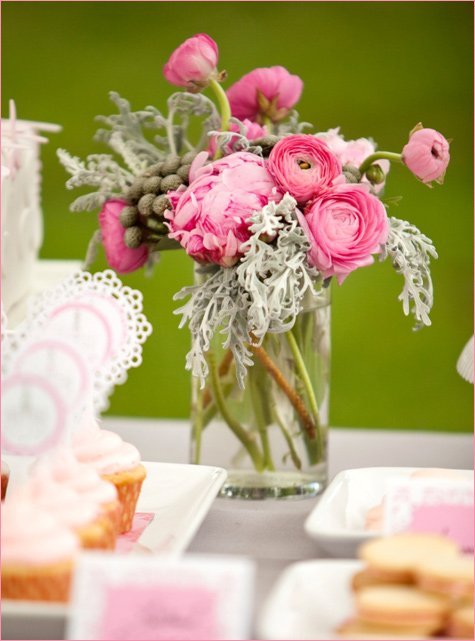 gorgeous pink dessert buffet ideas