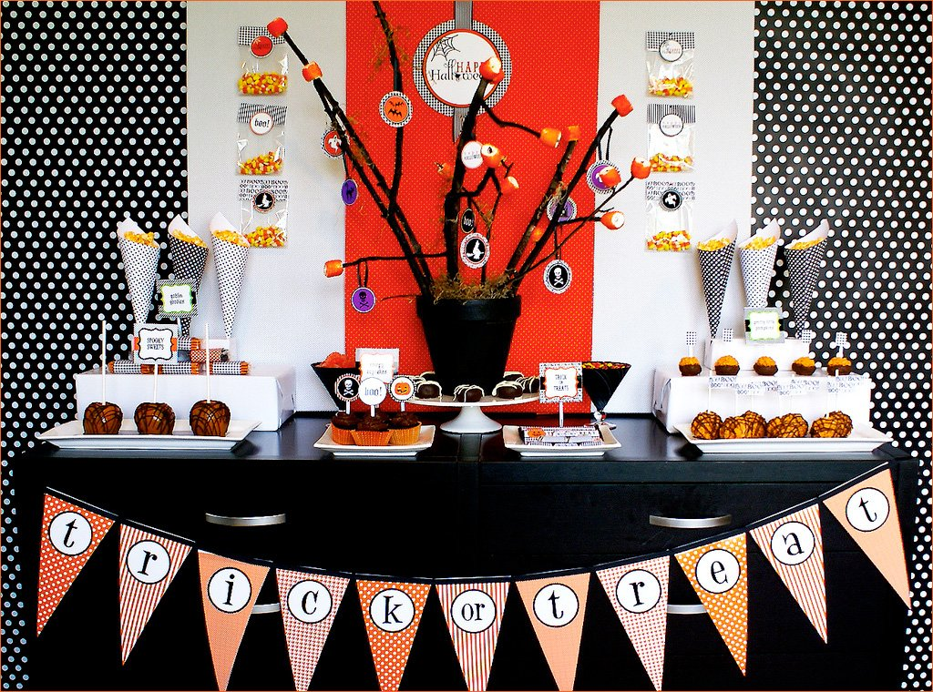 happy halloween diy dessert table hostess with the. Black Bedroom Furniture Sets. Home Design Ideas