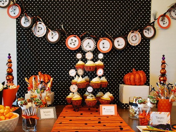 halloween dessert table treat cones diy hostess with. Black Bedroom Furniture Sets. Home Design Ideas