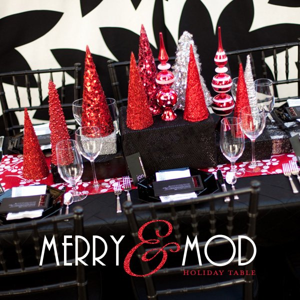 modern christmas table black white red