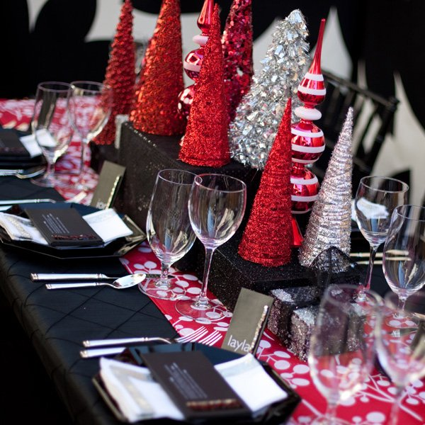 Modern Christmas Table Black White Red