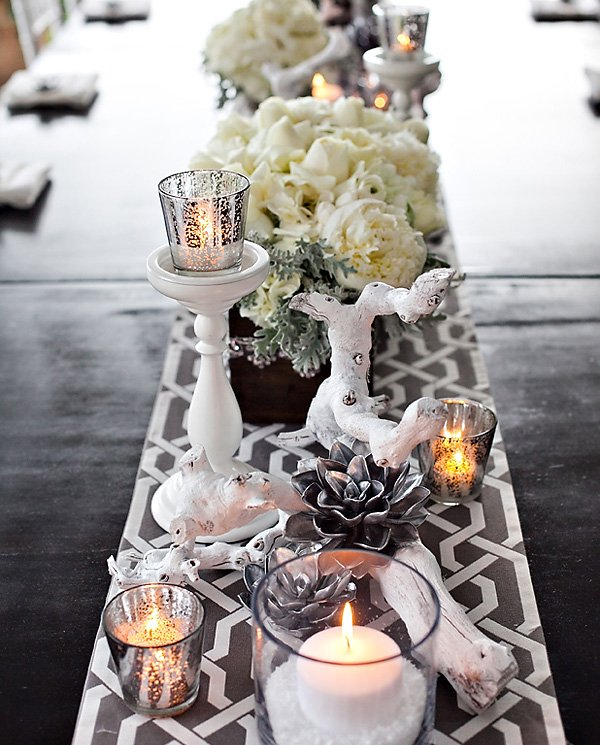 Modern Winter Glam Tablescape