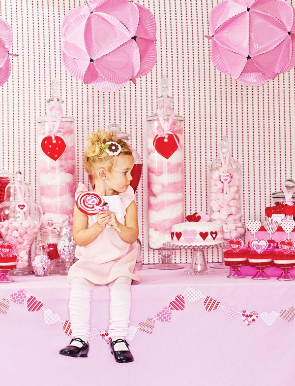 I Heart Valentine\'s Day {& This Party Theme!} // Hostess with the ...