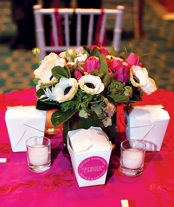 pink white flower bouquet and tablescape