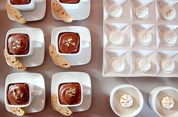 winter white dessert table ideas