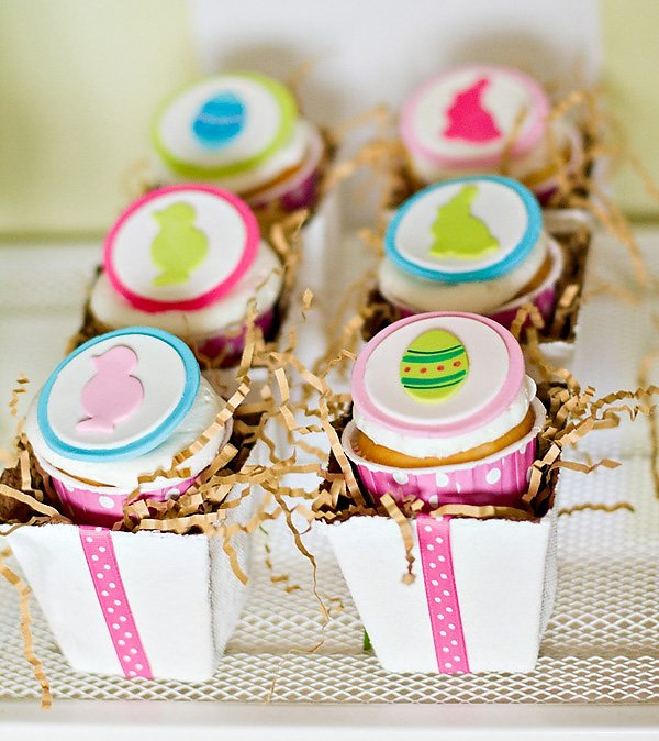 Modern Easter Party Theme