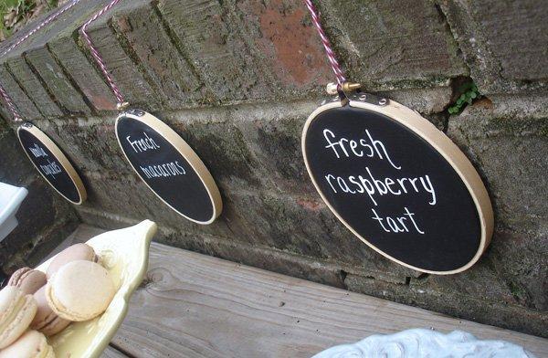 DIY Chalkboard Embroidery Hoop Signs