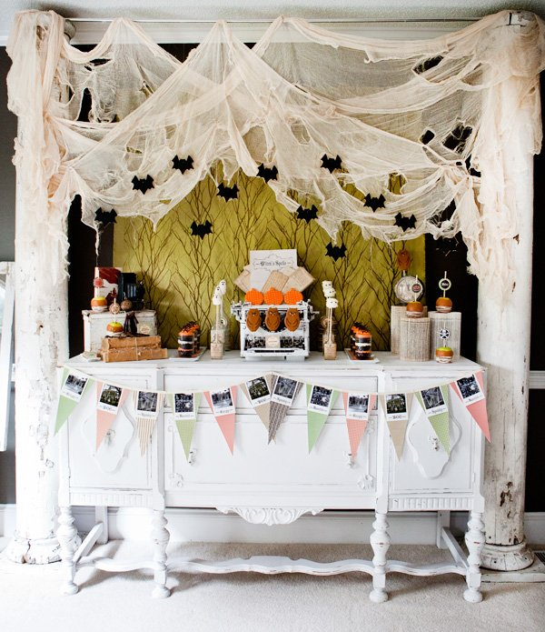 Vintage Haunted Halloween Party