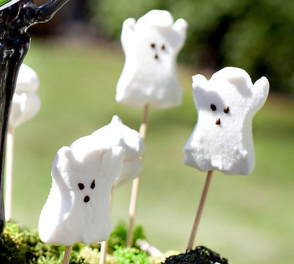 Halloween Ghost Treat Display