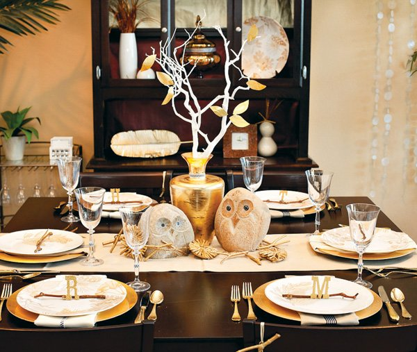 Thanksgiving Holiday Table Owls - White and Gold