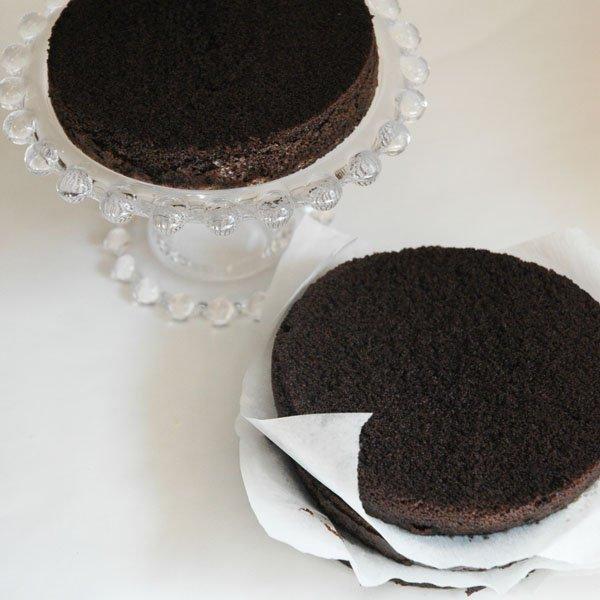 Prepare first cake layer
