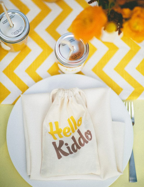 hello kiddo chevron baby shower - place setting
