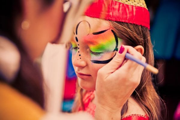alice in wonderland birthday party face painting