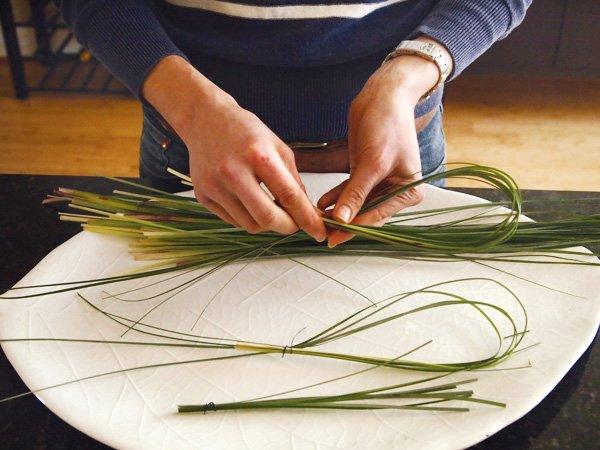easter floral diy centerpiece with lemons step 4 make leaf loops instructions