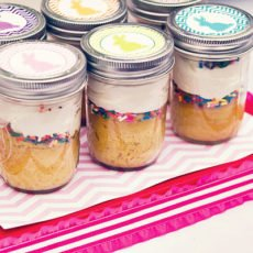 easter cupcakes in mason jars