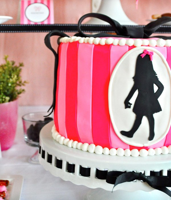 Eloise birthday party cake - pink and black fondant