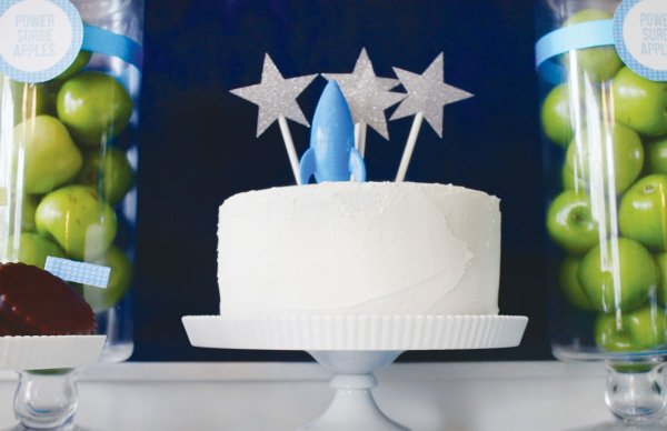 toy story space party cake with shooting sparkly stars
