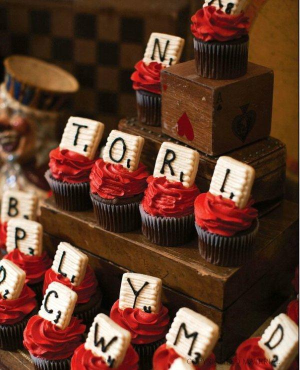 celebraTORI - game night cupcakes