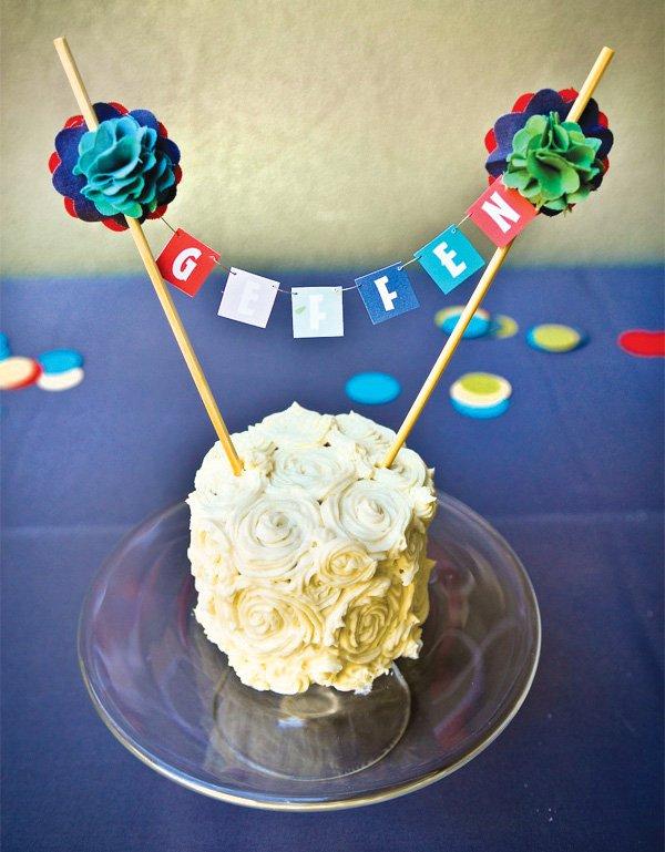 DIY birthday cake bunting on a smash cake