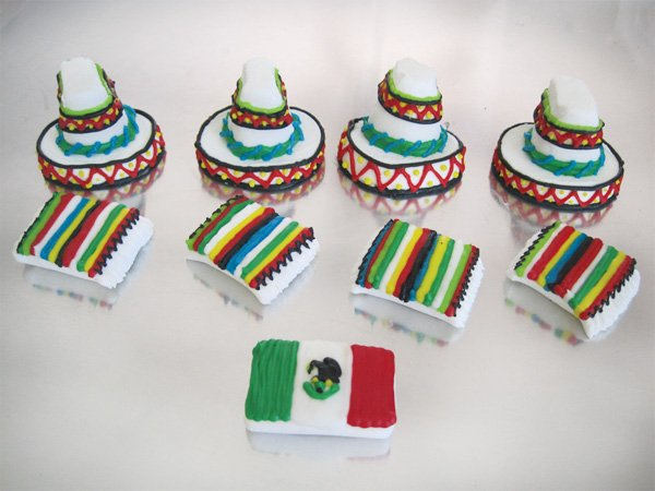 diy marshmallow serapes and sombreros as cinco de mayo toppers