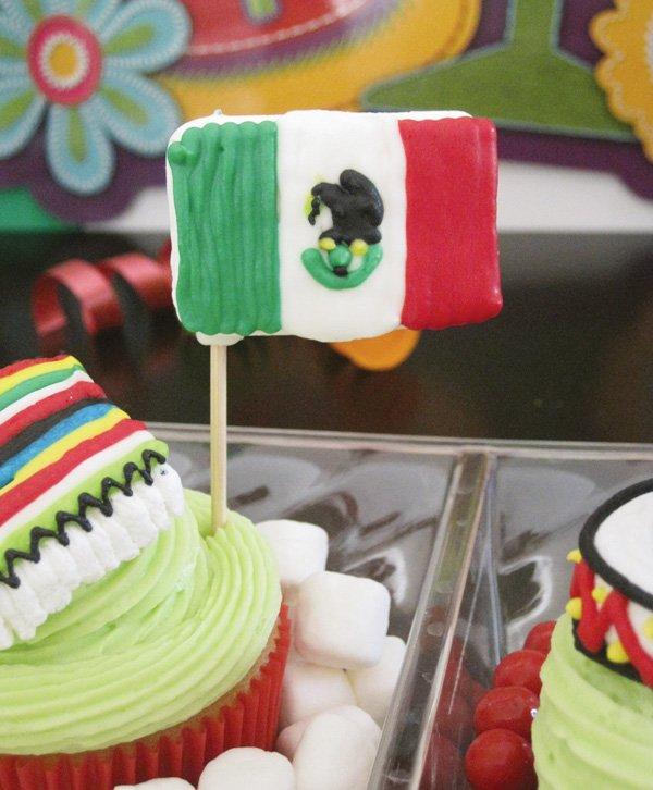 diy marshmallow mexican flag topper for a cinco de mayo fiesta