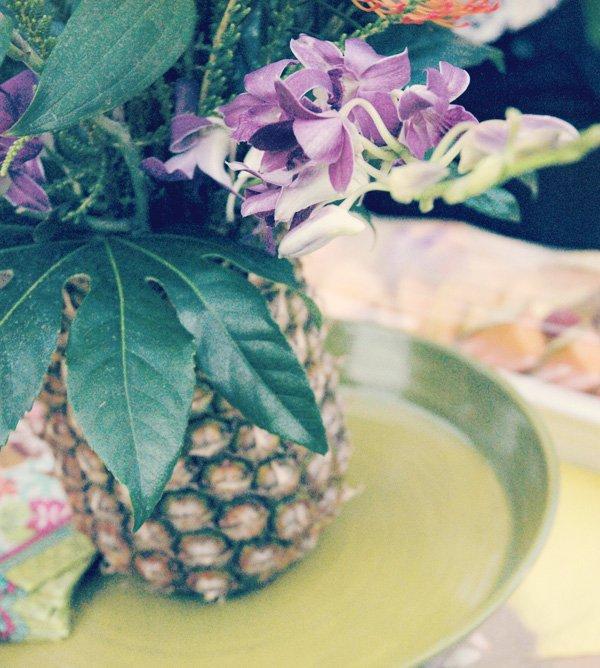 hawaiian luau dinner pineapple flowers