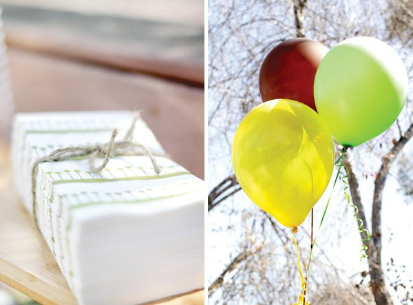 monkey birthday party napkins and balloons