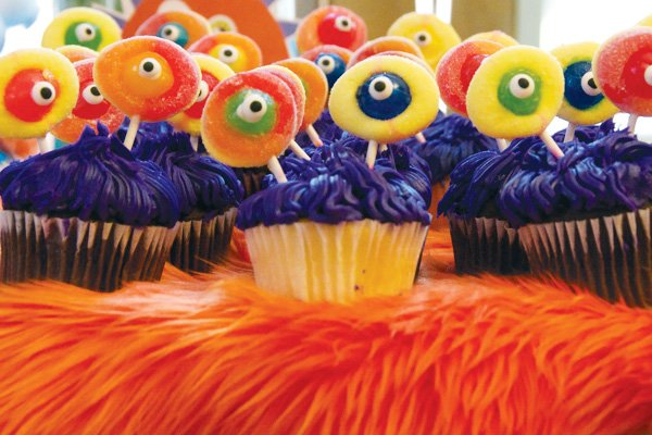 monster birthday party purple cupcakes