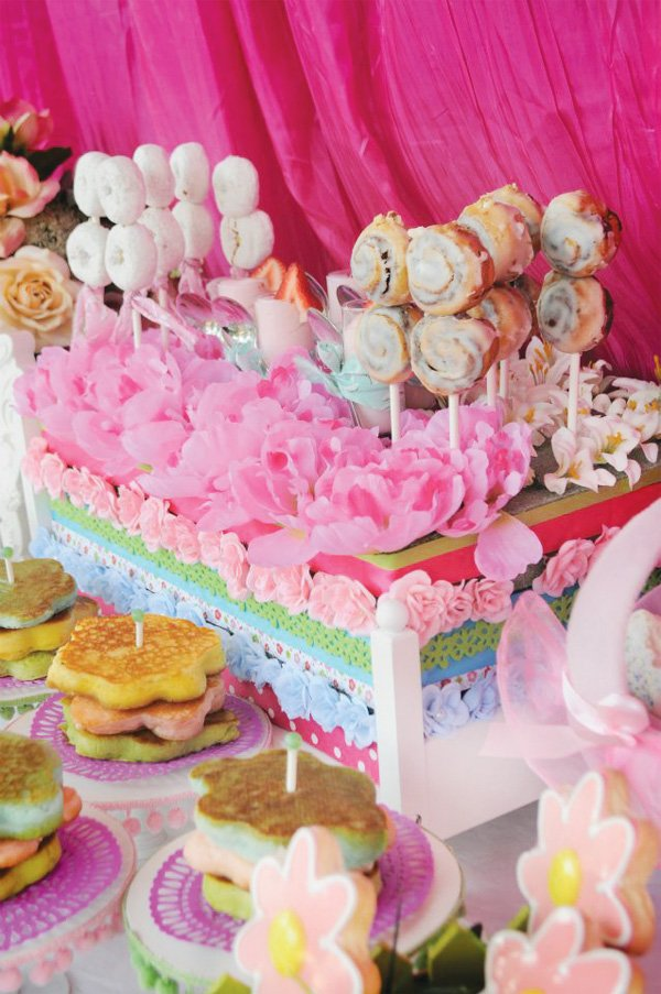 cinnamon roll and powdered donut skewers - shabby chic dessert table