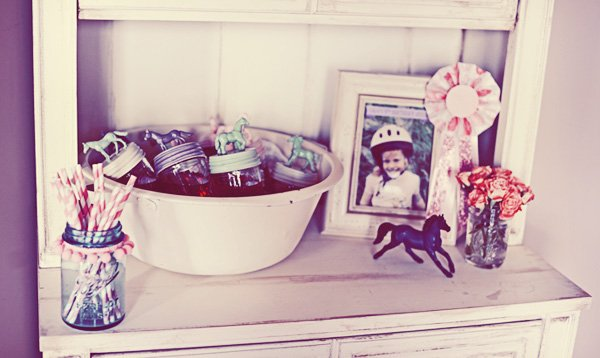vintage pony party decorations and ribbons