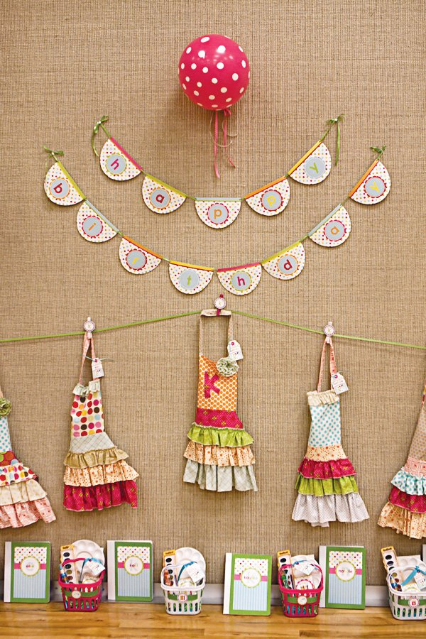 arts and crafts party homemade aprons as favors