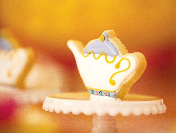 beauty and the beast theme teacup cookie