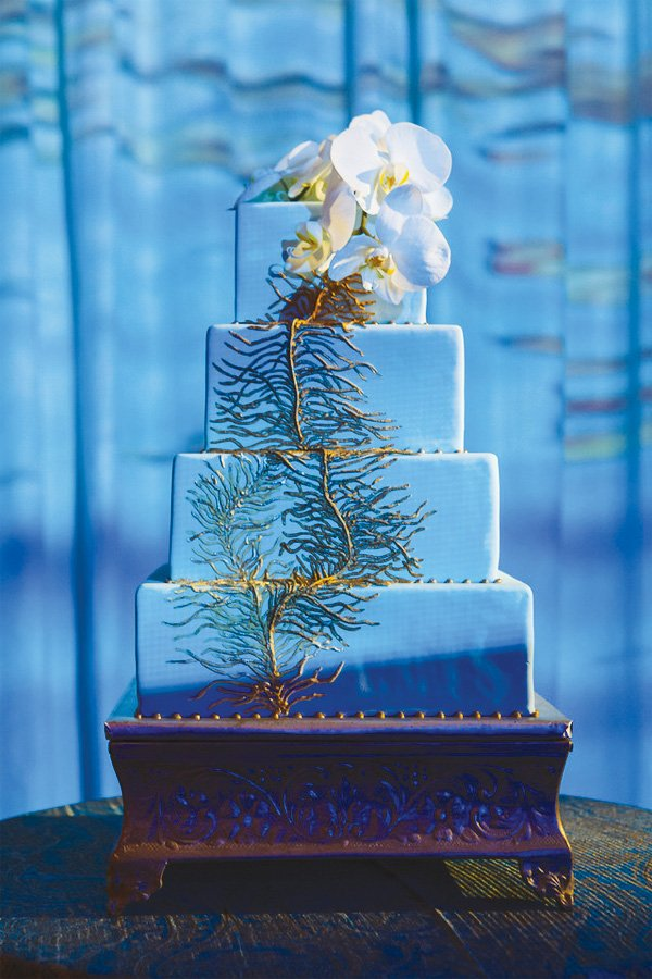 blue empress wedding cake