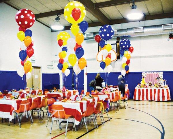 circus party ideas room setup