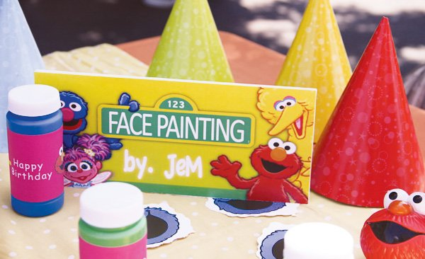 elmo face painting party activitiy