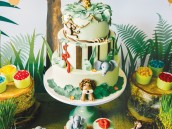 animal jungle party cake and cupcakes
