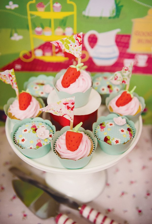 magic faraway tree party strawberry cupcakes
