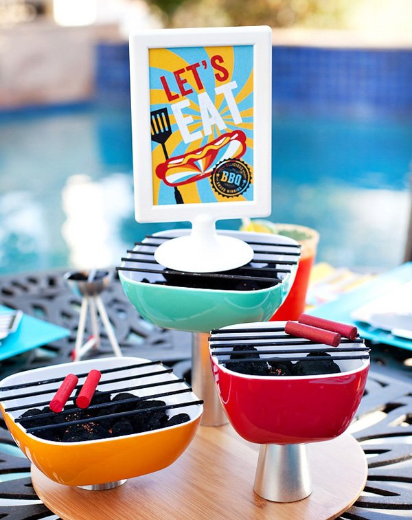 mini bbq centerpiece and free printable sign