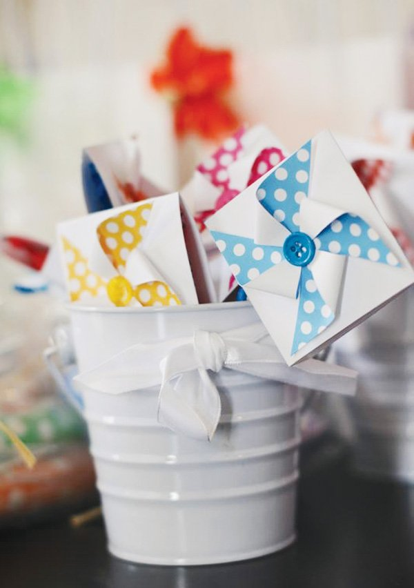 pinwheel party theme with lollipop favors
