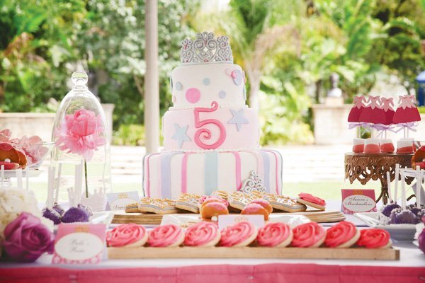 disney princess birthday party treats table