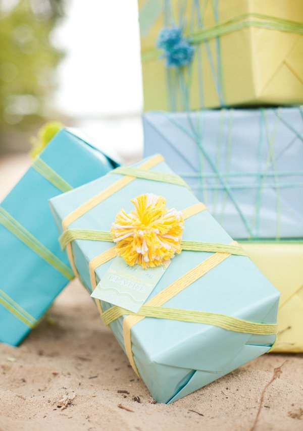gender neutral baby shower gift wrapping