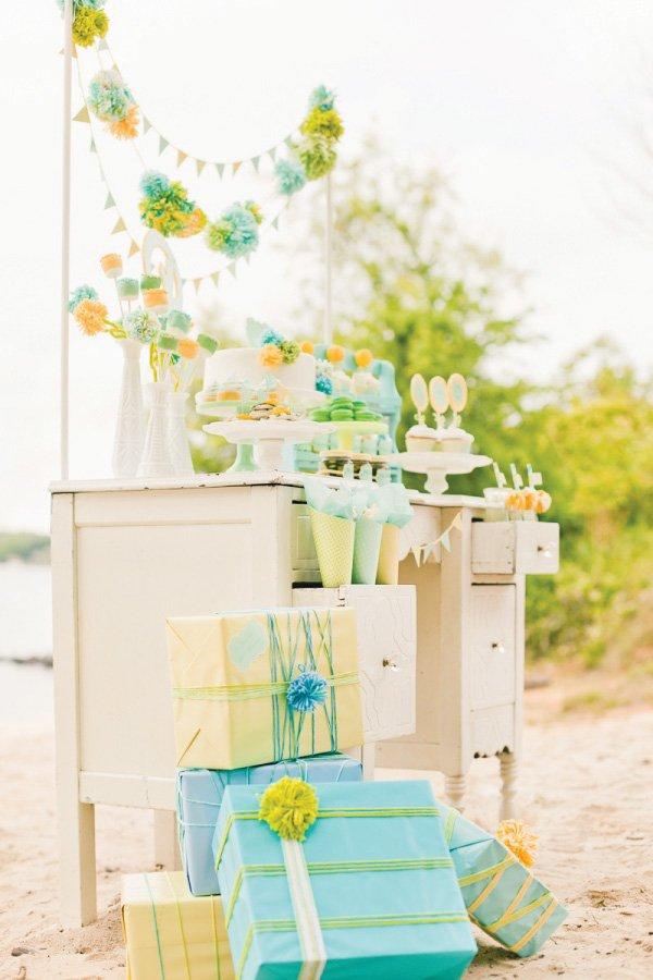 gender neutral baby shower presents