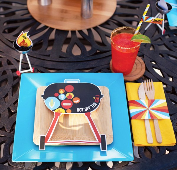 sumer bbq party ideas - place settings and free bbq printables