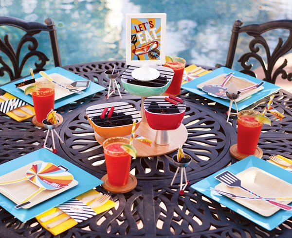 summer bbq party table ideas - centerpiece, place settings & free printables