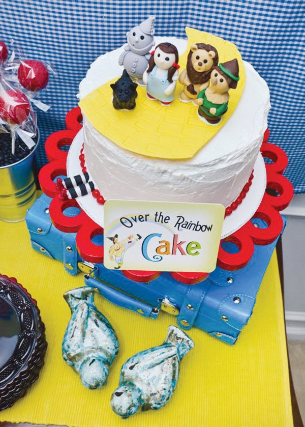 wizard of oz birthday party cake