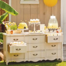 bee party dessert table