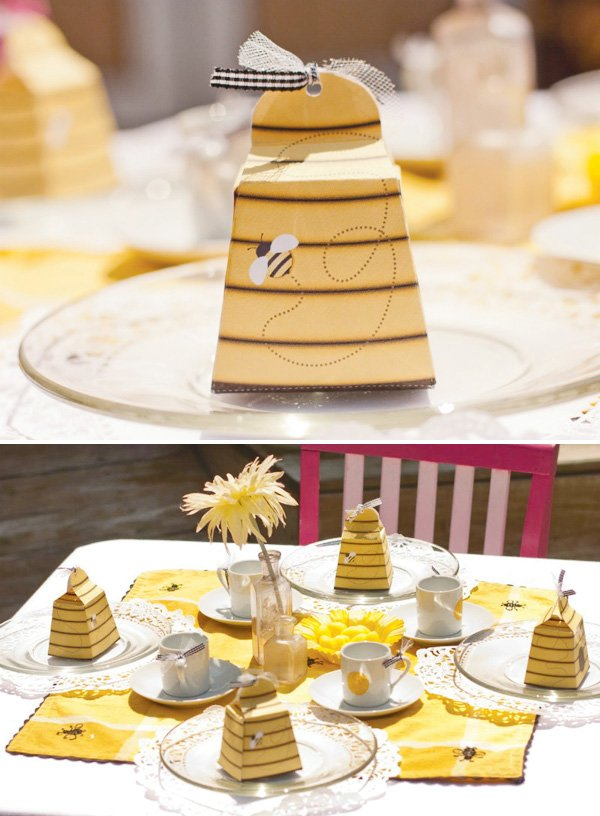 bumble bee tablescape