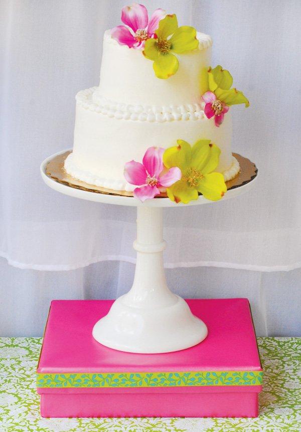 luau flower cake